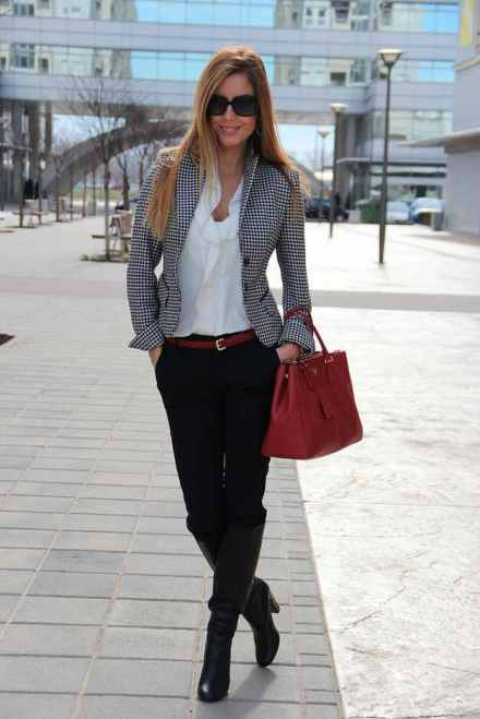 Plaid-Blazer-Outfit-Idea-for-Work